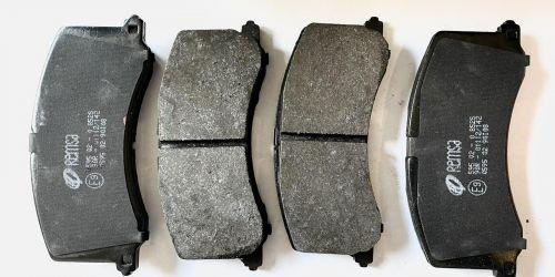 1995-> Suzuki Baleno - Fékbetét garnitúra Minőségi utángyártott alkatrész: 55810-64G11 7900Ft